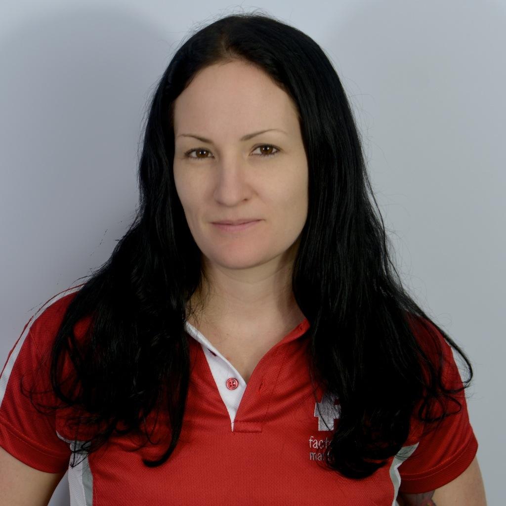 Ms Amanda McLeod